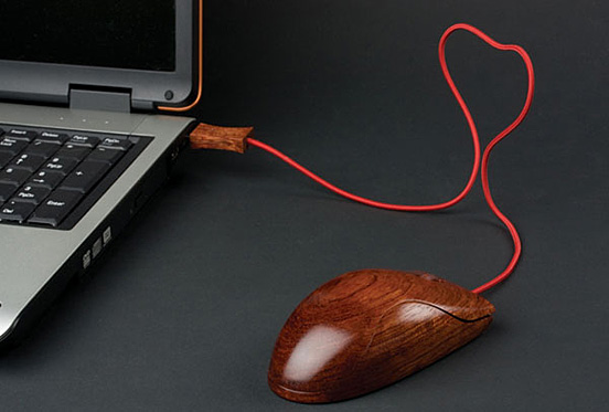 Wooden mouse 60 Visionary Examples of Creative Photography
