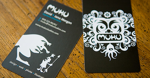 muku 01 uaxpmx 100 Refreshing Black & White Business Cards