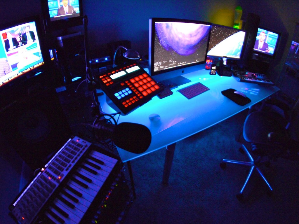 15 Envious Home Computer Setups Inspirationfeed