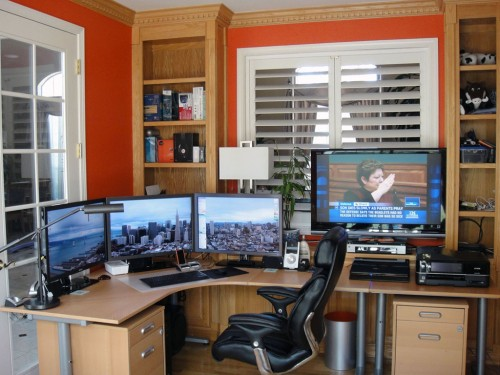 sunny home office 11 500x375 15 Envious Home Computer Setups