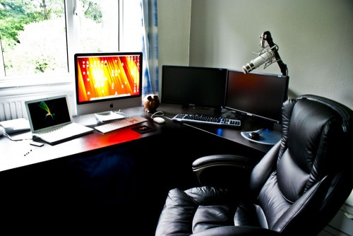 wilki 11 500x334 15 Envious Home Computer Setups