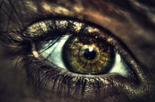 HDR eye by bazerc1 20 Beautiful Macro Photos of the Human Eye