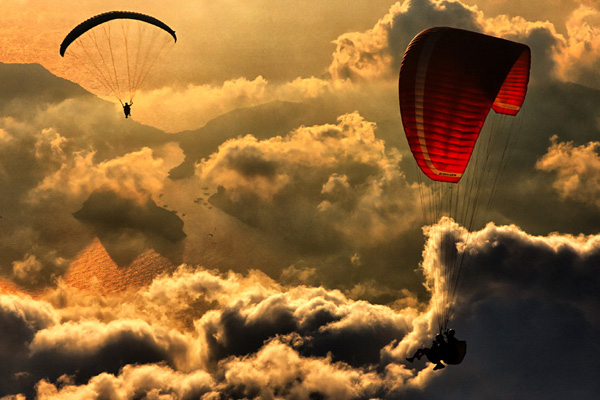Paragliding 2 30 Beautiful Examples of Sunrise Photography