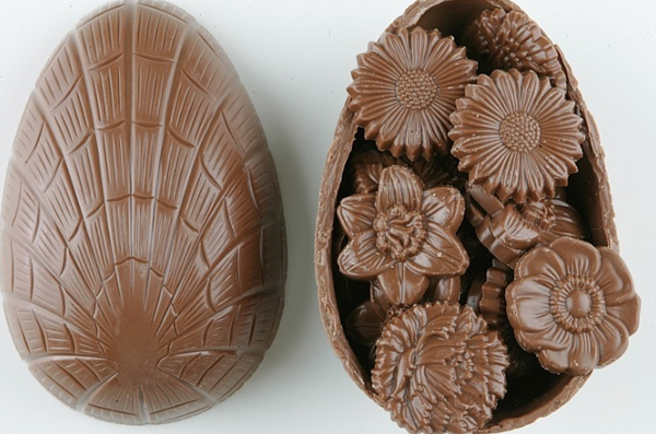 chocolate egg 30 Creative Examples of Easter Egg Designs