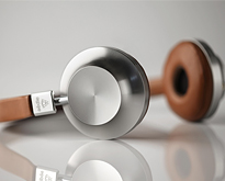40-Skillfully-Constructed-Headphones
