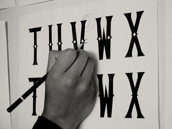 Caja A free vintage font