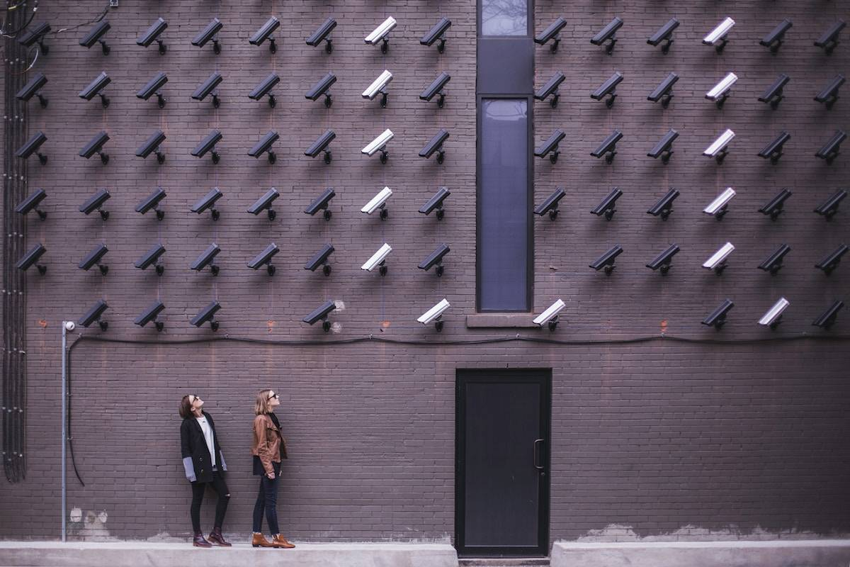 Are U.S. Citizens Really Less Security-Savvy