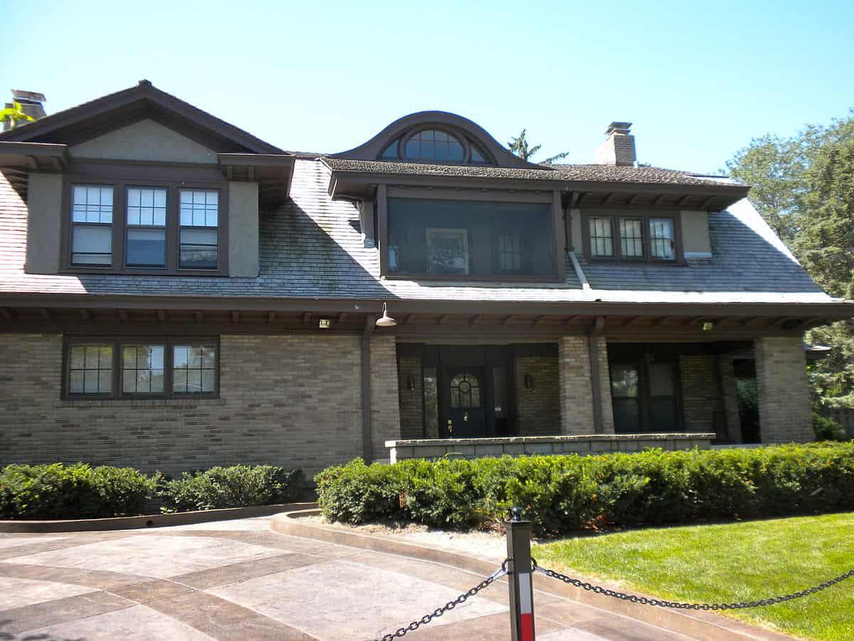 Warren Buffets Home in Omaha