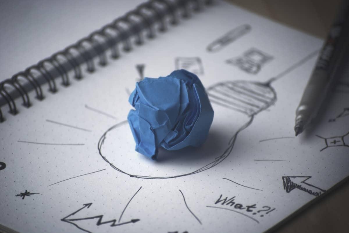 idea-bulb-paper-sketch