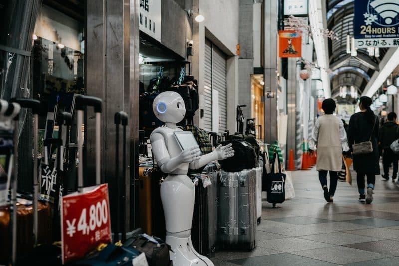 Robot Waiter in Japan