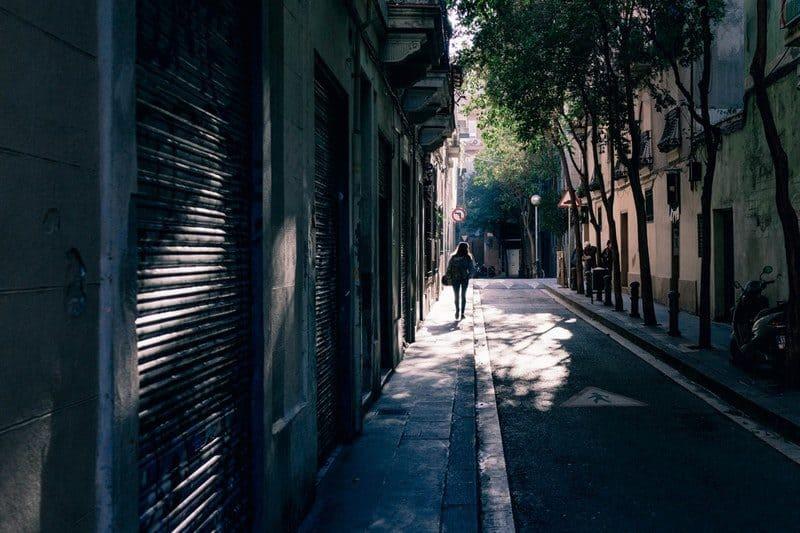 narrow barcelona streets