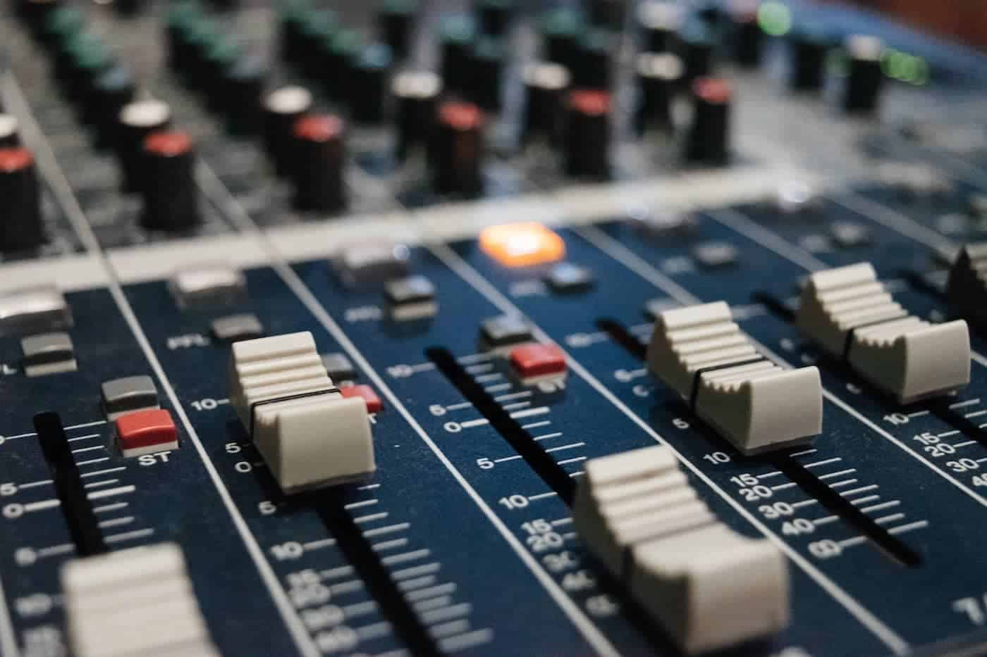 21 Royalty Free Music Resources | Inspirationfeed