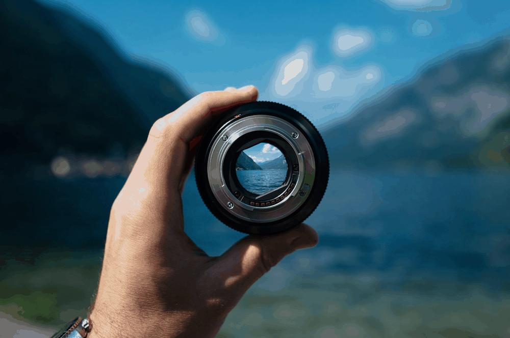 holding lens