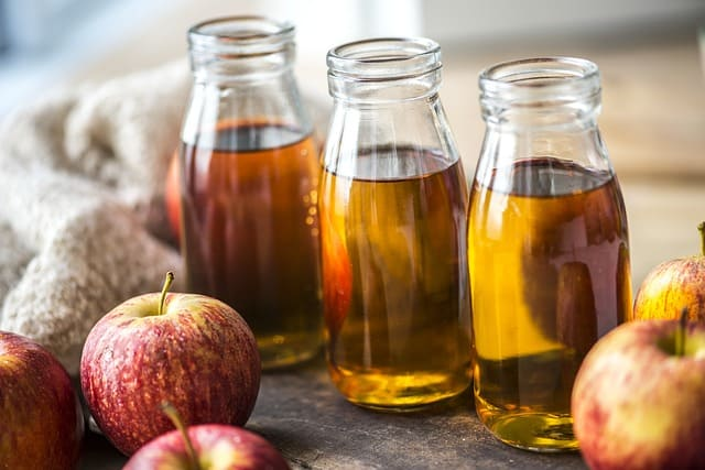 apple-cider-vinegar-juice-bottles