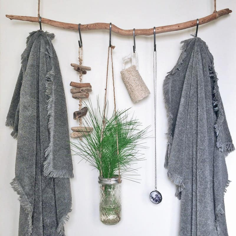 hanging cloth on the wall