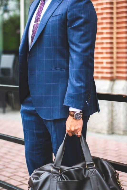 bag-businessman-carry