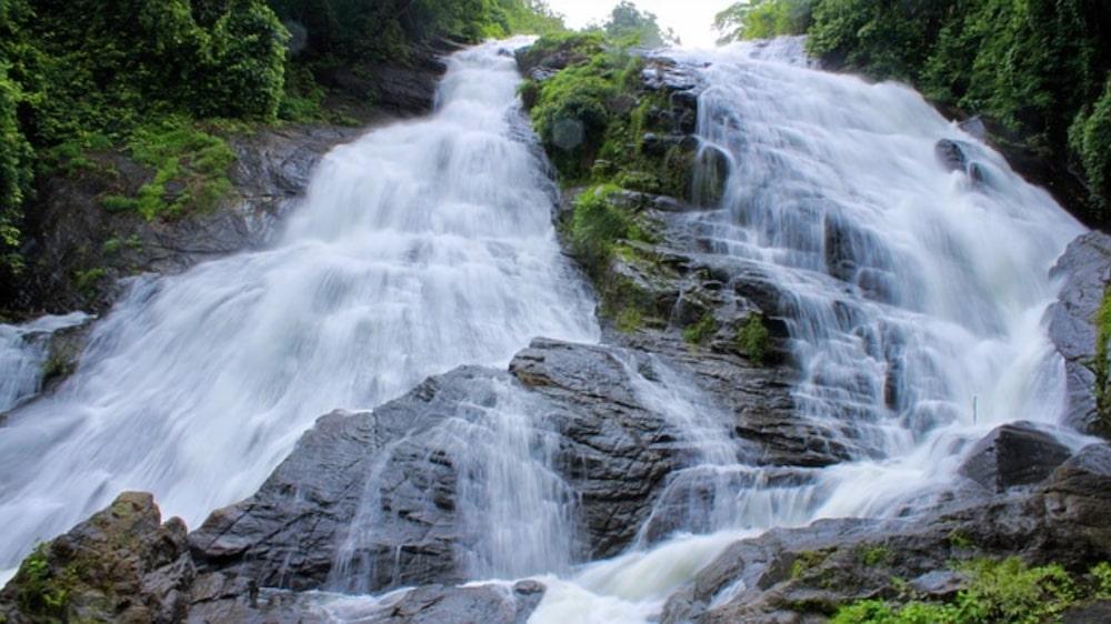 Mesmerising overflowing waterfalls