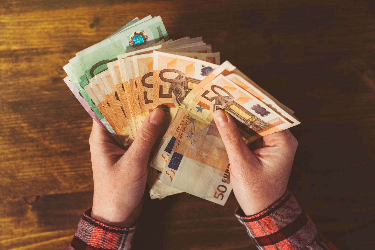 Seven creative ways to give cash as gift