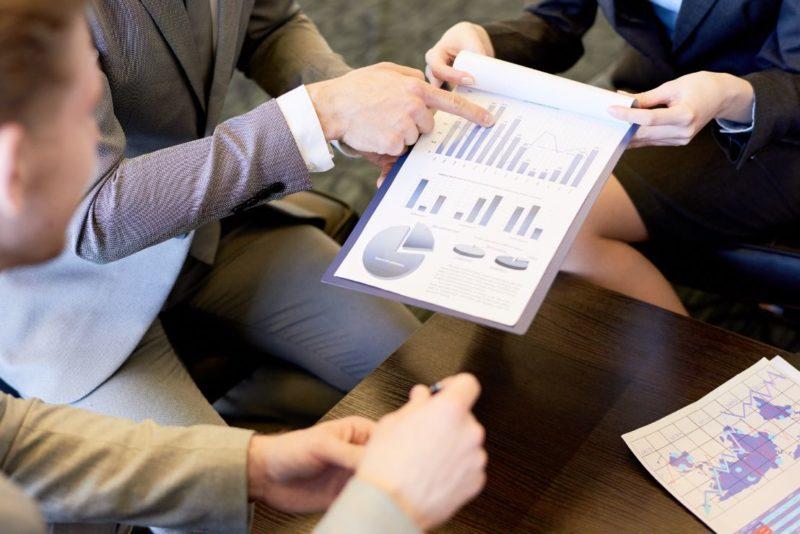 business-meeting-on-marketing-Q4BYG9M-1-800x534