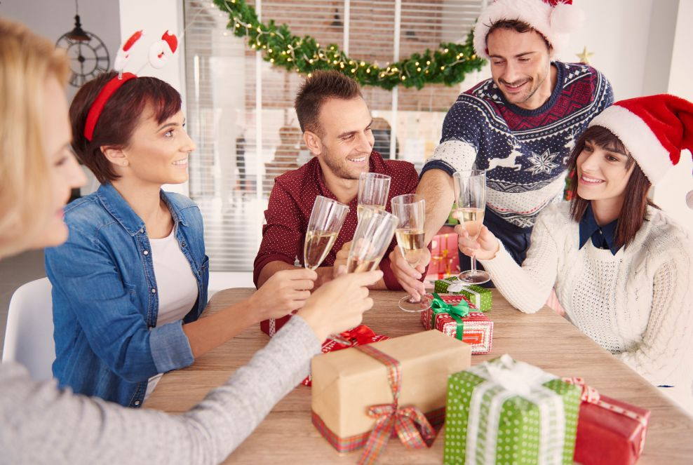 80 Hilarious Christmas-themed Pick-up Lines to Help You Find Love During Christmas