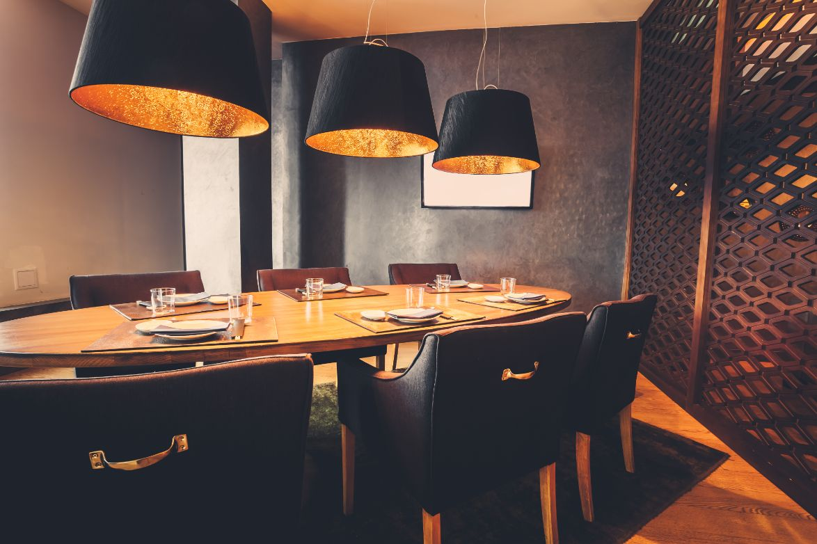 How to Choose Restaurant Furniture Depending on The Construction