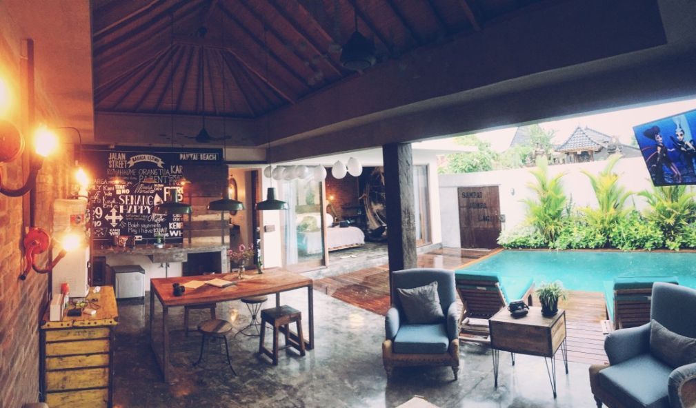How To Create A More Comfortable Indoor-Outdoor Living Space