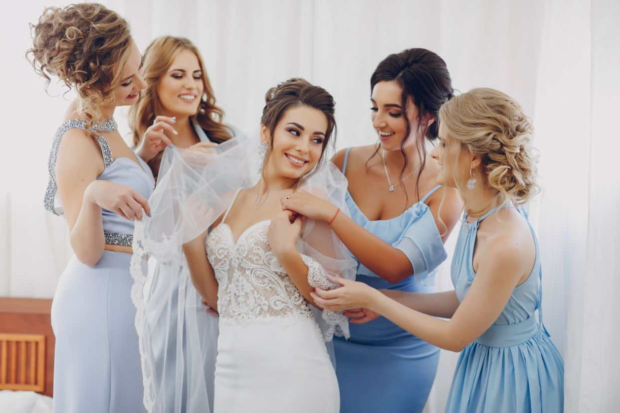 The Prettiest Bridesmaid Dresses |8 Suggestions for Bridesmaid Dresses