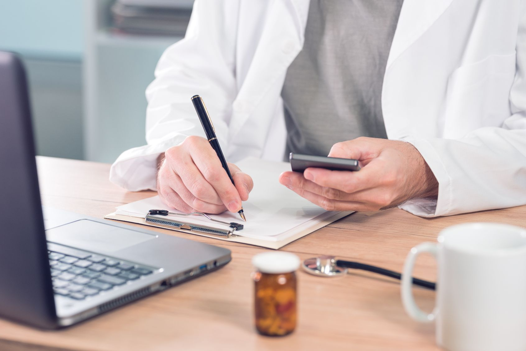 5 Healthcare Careers You Can StartWithout A Four Year Degree