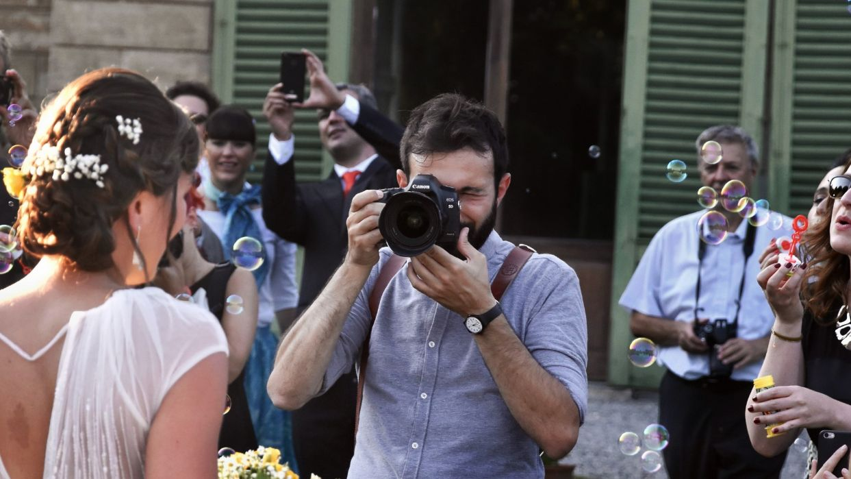 Tips for Booking Your Wedding Photographer