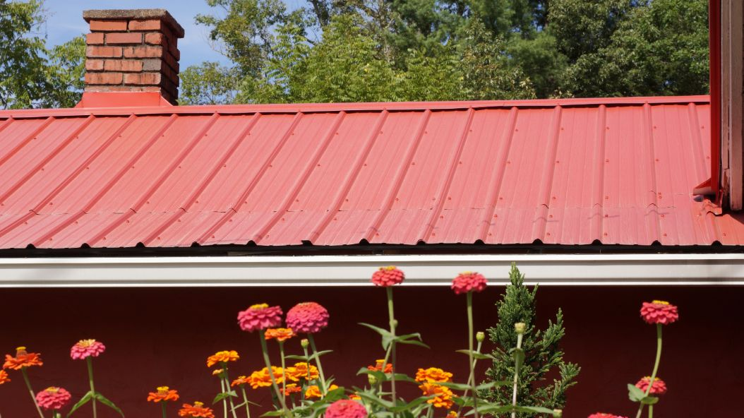 How to install metal roofing DIY vs hiring a home remodeling company